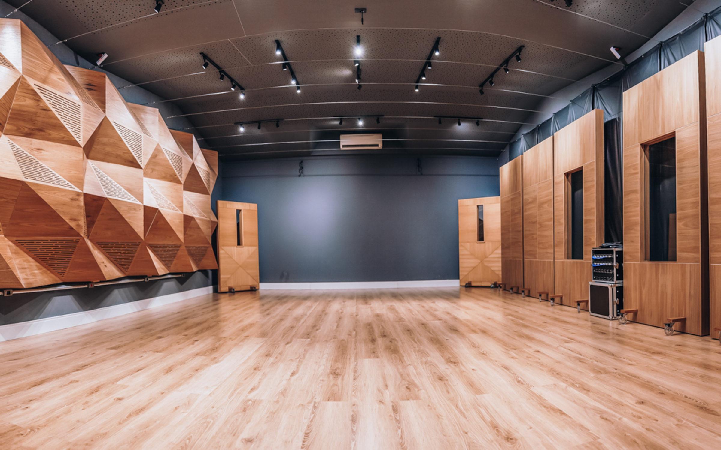 Estúdio de gravação de podcast e locução, Loc On Demand. São Paulo.